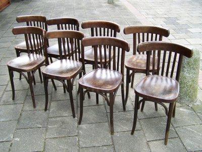 cafe-stoelen-bruin